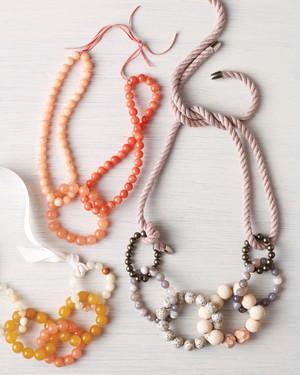 beaded-necklace-diy-group-036-d111753.jpg