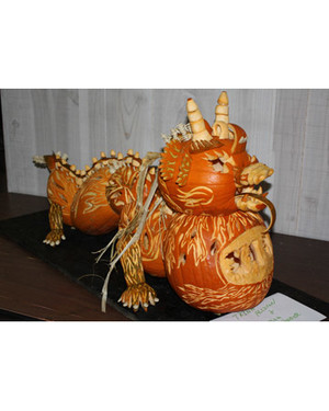 halloween_ugc09_chinesedragon_pumpkin.jpg