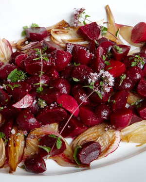 Roasted Beet And Onion Salad Ld107757