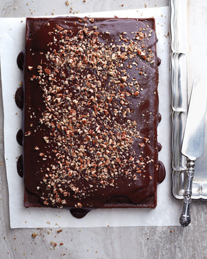 Is Sheet Cake the Ultimate Easy Party Cake? We Think So!