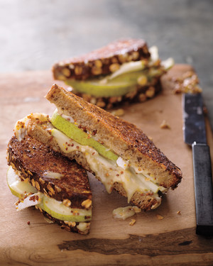 brie-pear-mustard-grill-cheese-mbd109136.jpg