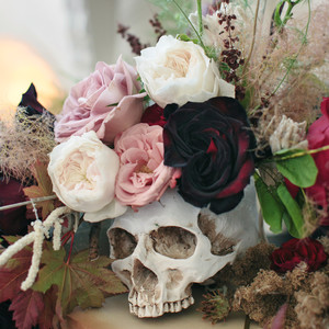 halloween rose gold dinner party decorations skull flowers