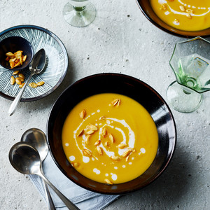 vegan butternut squash soup topped with seeds