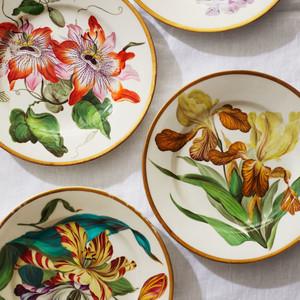 Quaker Pegg Bloom Plates