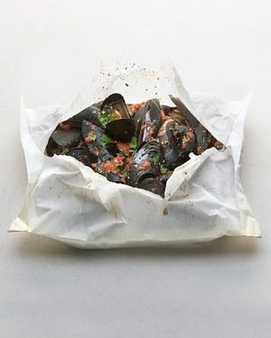 d101063_bf1v2116c_0105_mussels_tomato_sauce.jpg