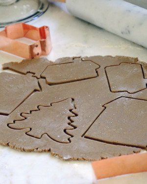 How to Decorate Gingerbread-House Cookies
