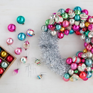 fill in - Christmas Ball Wreath