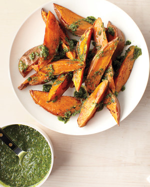 parsley-lemon-walnut-sweet-potatoes-mbd108150.jpg
