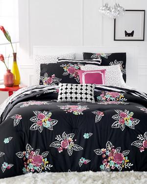 msmacys-checklist-bedroom-nightbloomcomforter-0515.jpg