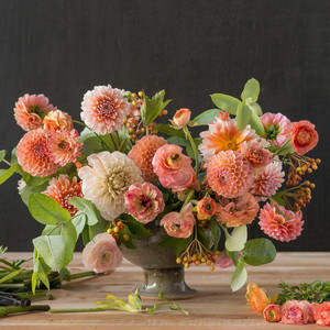 kiana underwood summer peach floral arrangement step 3
