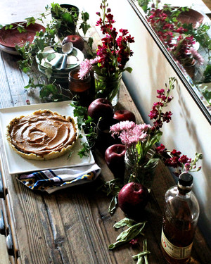 5 Creative, Nontraditional Table-Setting Ideas