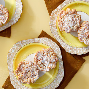 ginger bear hand pies on plates