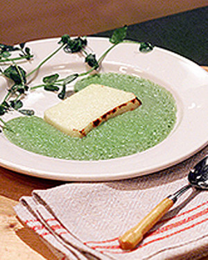 Parmesan Pudding with Pea Sauce_image