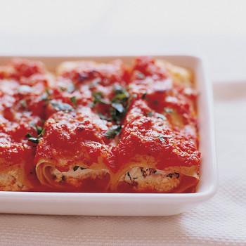 Manicotti with Tomato Sauce