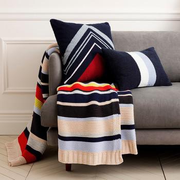 J。船员推出假日家庭装饰收藏品包括豪华的浴巾和毛毯