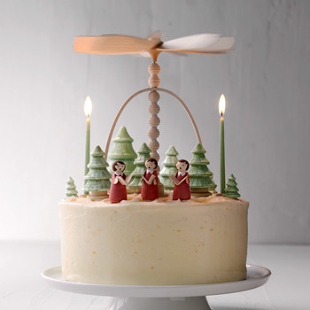 Gingerbread Layer Cake with Creamy Mascarpone Frosting