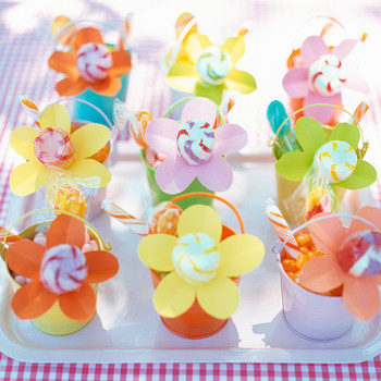 Flower-Power Decor and Favors