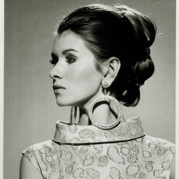 How to Recreate the Best Hairstyles from Martha's Modeling Days