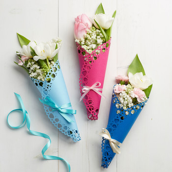 Dainty Doily Flower Wrapping