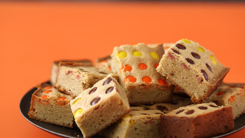 Halloween-Inspired Blondies-EH0079