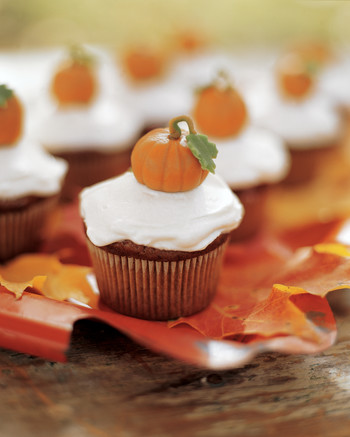 Cute Thanksgiving Desserts That Guests Will Gobble Up