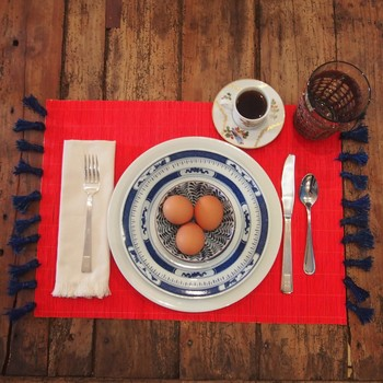Adding Dinner Table Flair: Tasseled Placemats