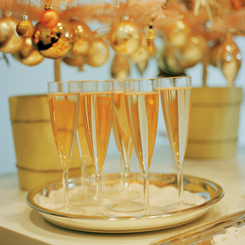 Throw a Laid-Back Last-Minute Holiday Party