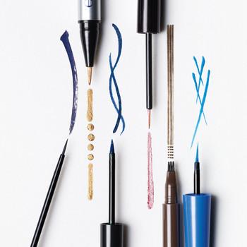 Using Liquid Eyeliner
