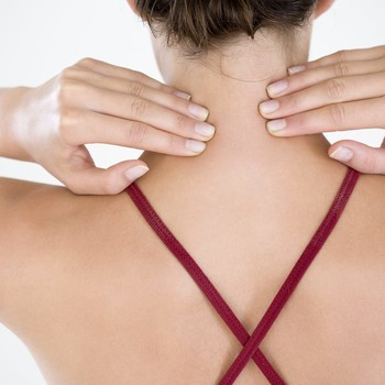 How to Deal with Neck Pain and Work Towards Better Spine Alignment
