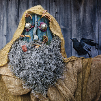 Make Your Own Scarecrow with Our Step-by-Step Guide