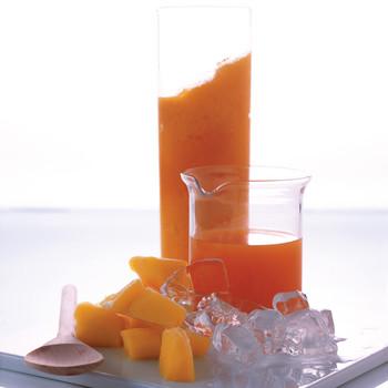 Easy Carrot-Mango Smoothie