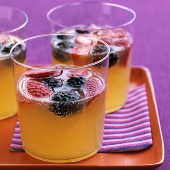 Pineapple-Berry Fizz