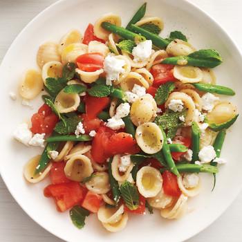 Raw Tomato and Green Bean Pasta