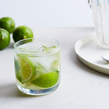 caipirinha cocktail limes