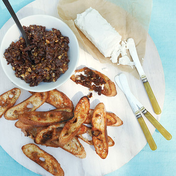 Sun-Dried-Tomato Relish With Cayenne Toasts
