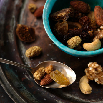 niloofar trail mix