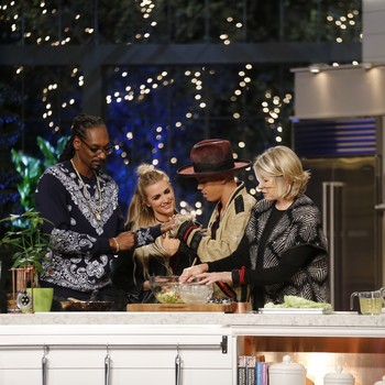 """Find Out What Family Secrets Were Shared on Last Night's Episode of """"Martha & Snoop's Potluck Dinner Party"""""""