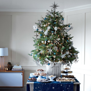 11 Christmas Tree Skirts, Collars, and Stand Ideas