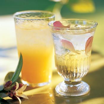 Rose-Petal Gin Fizz