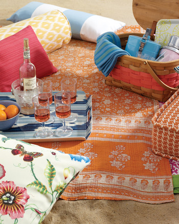 Your Great American Summer: How to Throw a Picnic Party