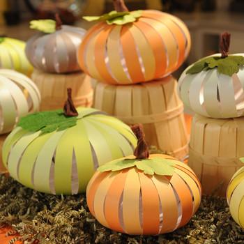 6030_101910_paper_pumpkins.jpg