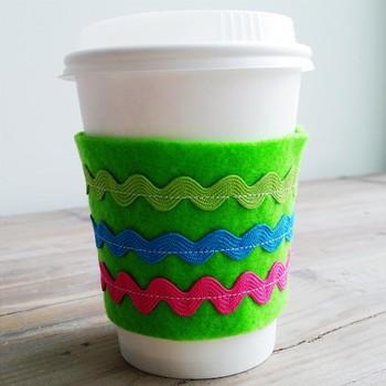 DIY Reusable Coffee-Cup Sleeve