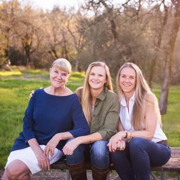 莱尔葡萄园的三个女人