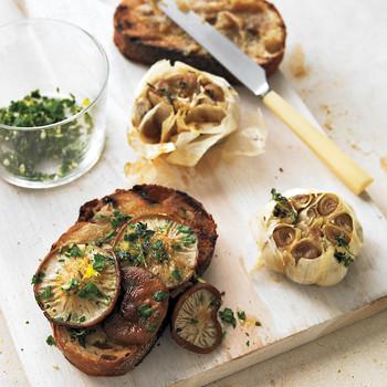 Roasted Garlic and Shiitake Mushroom Bruschetta