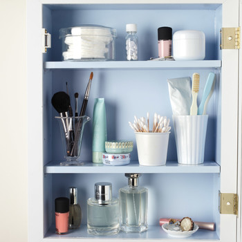 Five Tips for Organizing Your Medicine Cabinet