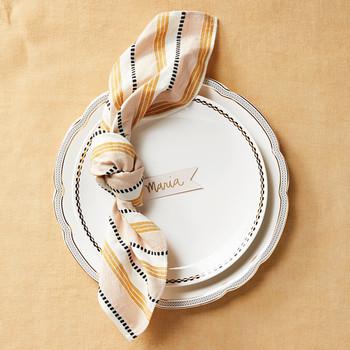 napkin fold tie knot