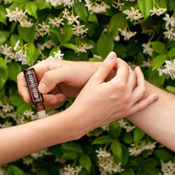 Stand Out With a Small-Batch, Natural Perfume