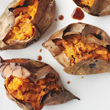 Good Eats: The Health Benefits of Sweet Potatoes (+ Recipes!)