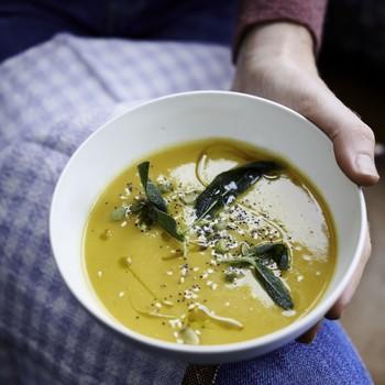 烤南瓜和防风汤