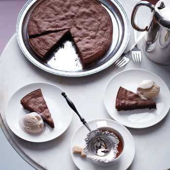 Martha's New Favorite Chocolate Cake Makes the Perfect Holiday Dessert